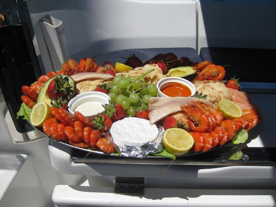 FAMOUS GOURMET SEAFOOD OR MEAT PLATTER TO ENJOY ON DECK!