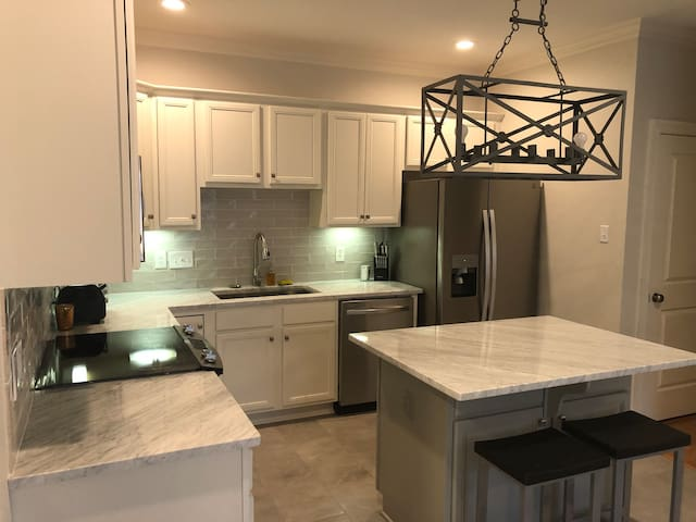 High End Modern Gated Condo in the Middle of BR