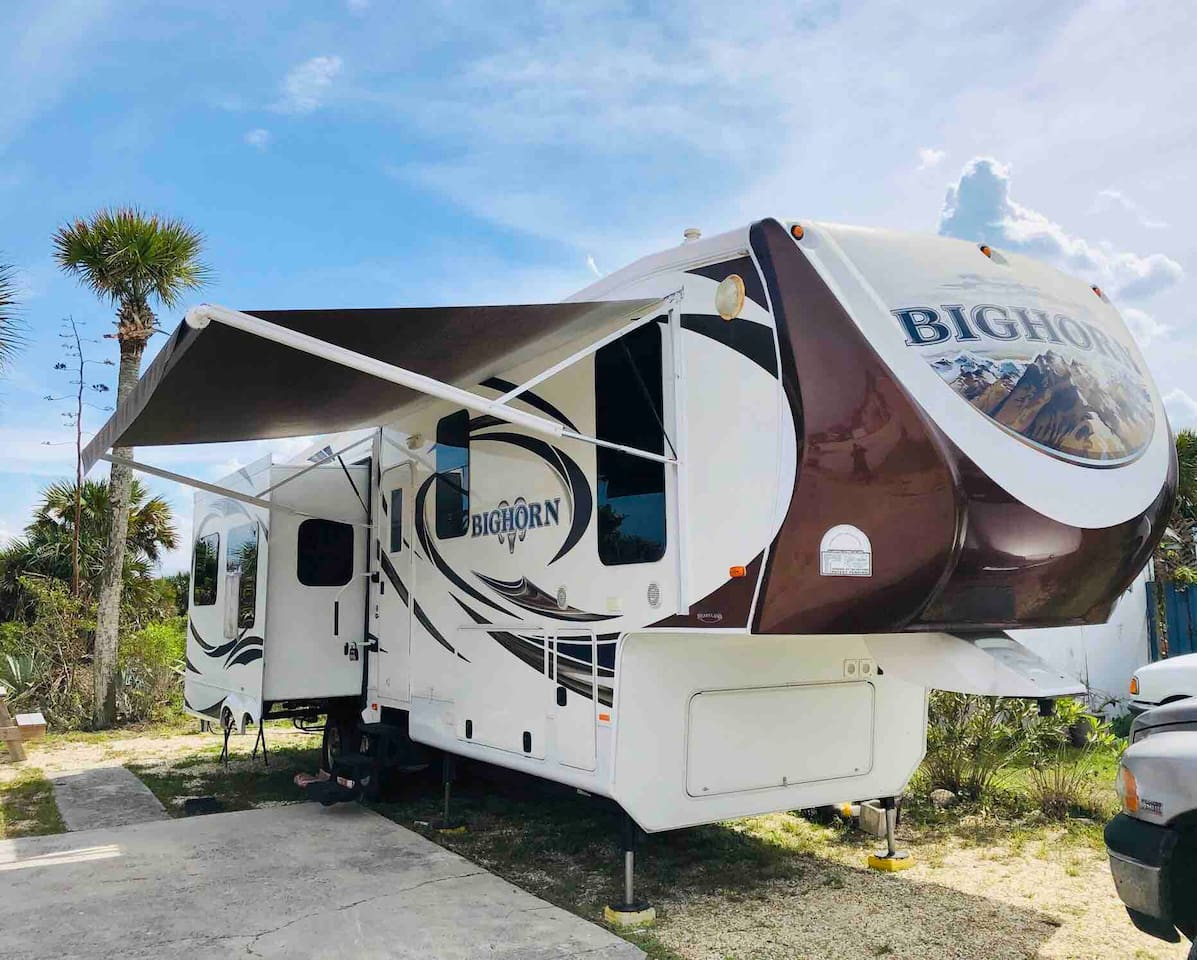 The Big Horn, A fifth wheel luxury camper.