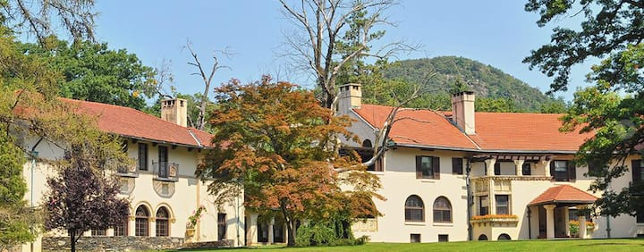 The Rushmore Estate: The Lincoln Room