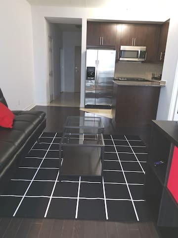 Elegant 1bdrm cando,connect to Subway+Wifi&Parking