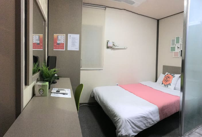 YOUNG Deluxe Double Room 603
