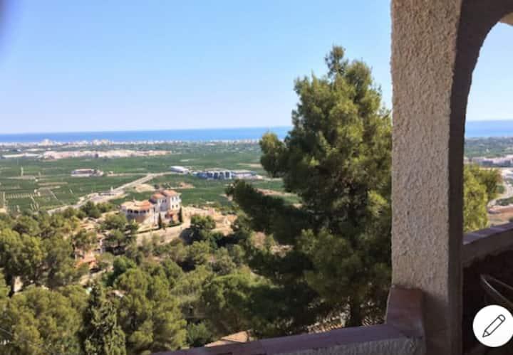 Villa tranquila con vistas al mar Mediterráneo