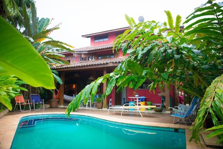 Casa 300 m2 alto padrão na Baleia à 250 m da praia