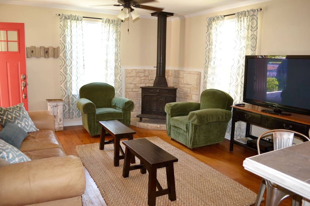 Comfortable living room with cable TV and wireless internet
