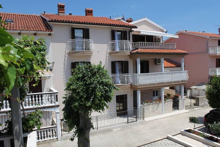 Two bedroom apartment with terrace and sea view Duga Luka (Prtlog), Labin (A-5528-b) - Duga Luka