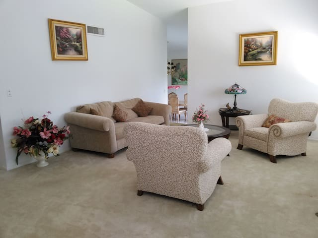 Snowbird haven Home Upscale Lake View Full Hosting - Lake Wales - House