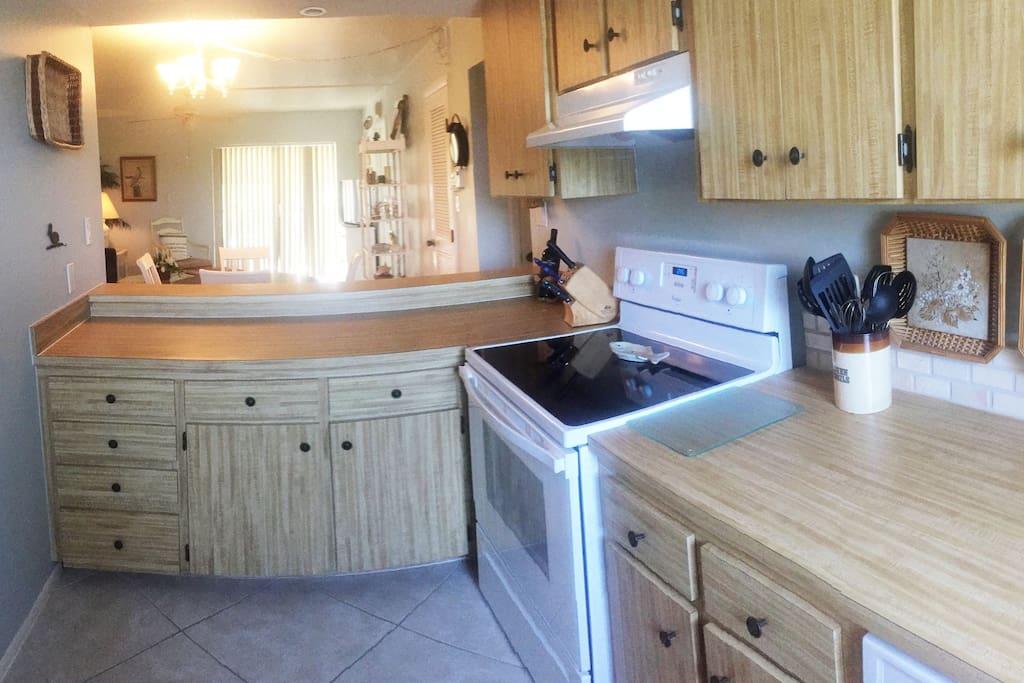 Full kitchen/open concept