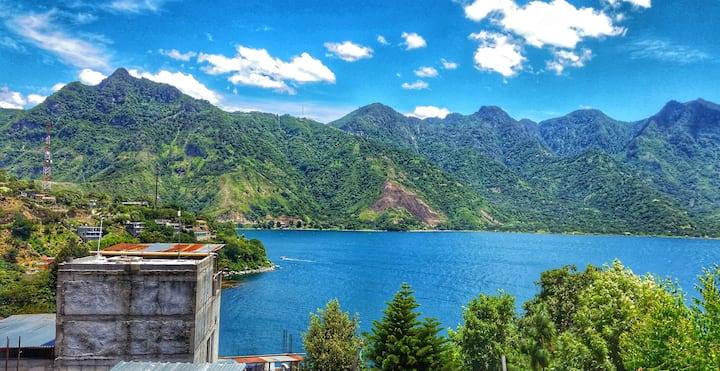Cozy Private Room w/ Amazing Views of Lake Atitlan