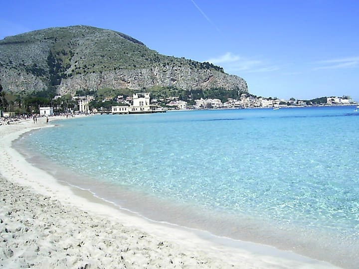 Holiday Mondello