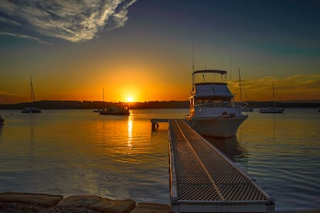 Sand Executive Waterfront Lakehouse Lake Macquarie - Mannering Park