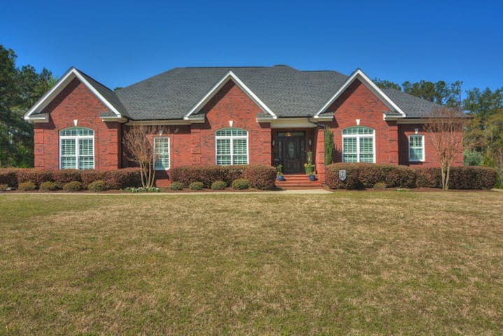 Masters Rental - 6 Bedroom/over 5,000 sq ft
