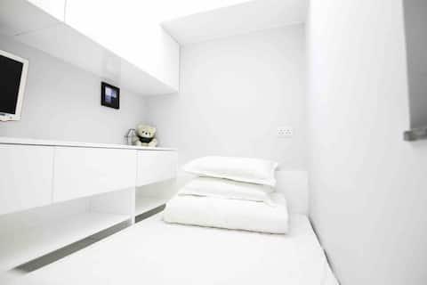 灣仔單間公寓,位於萬柴( Wanchai ) ,可存放行李