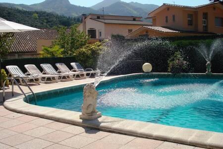 Casa rural y cerca CostaBRAVA, Villa Hortensia - Arbúcies - 独立屋