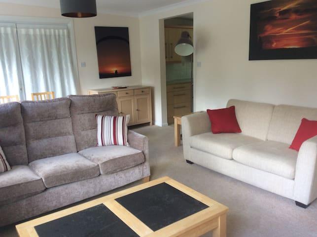 Private flat in Edington
