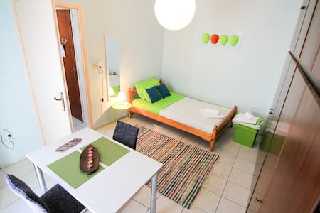 STUDIO(1 or 2 pers)HERAKLION CENTER - Appartement