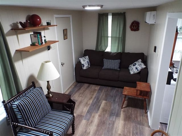 Sportsman's cottage · Aunt Susie's Country Vacations (Near) 7 Points Marina location