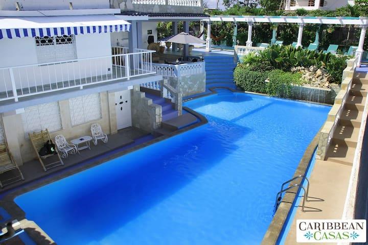Casa Palacio only 500m to the beach - La Habana - House