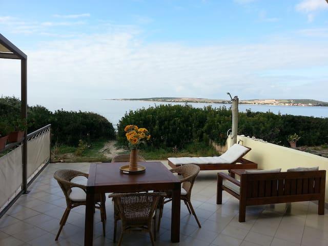 Ampio appartamento sul mare - Putzu Idu - Apartamento