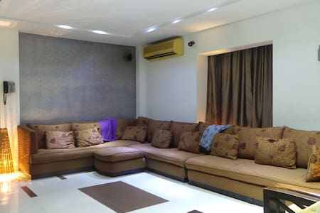 European style luxury apt in the heart of Banani.
