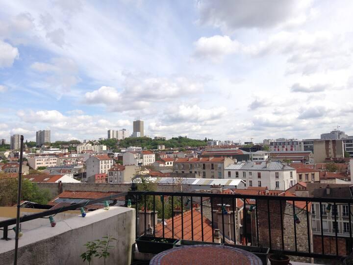 Appartement F1 + terrasse à la porte de Paris