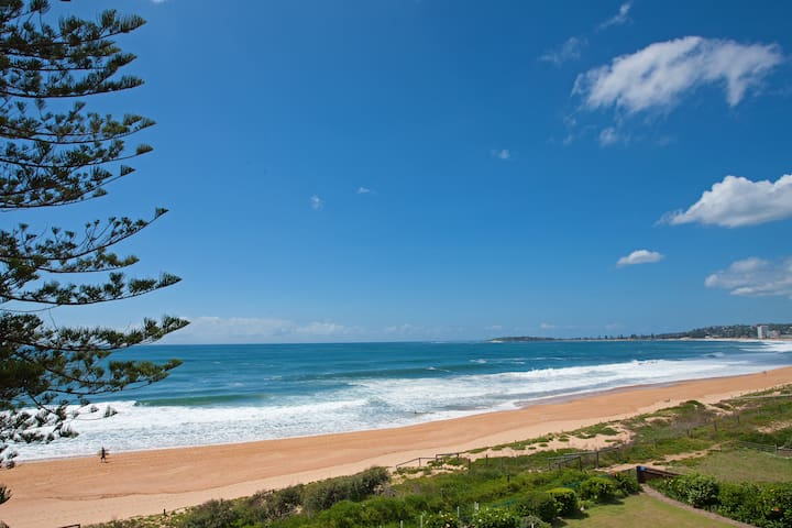 Relax & Enjoy: Absolute Beachfront - Narrabeen - Apartamento