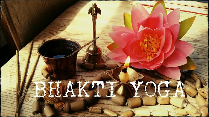 Bhakti-yoga sessions with accommodation in centrum