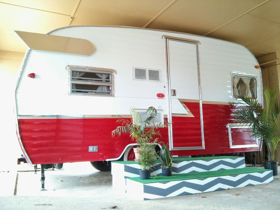Camper in carport sleeps 3