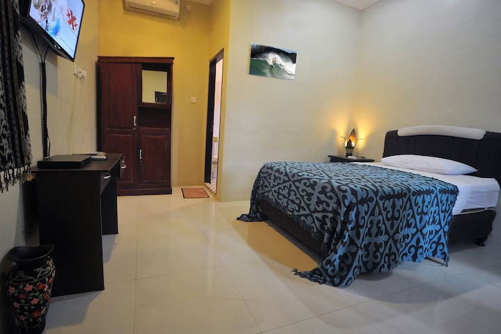 Room 2 with King Single Bed