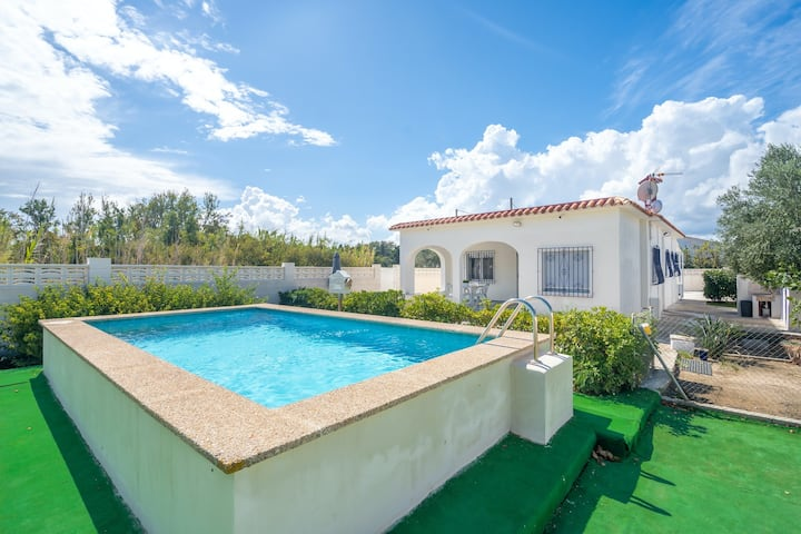 Family-friendly villa w/ private pool, entertainment & kitchen - beach nearby!