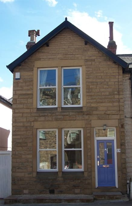 3 bed townhouse central location houses for rent in for Perfect kitchen harrogate