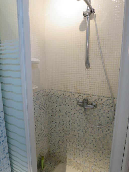Et une douche.