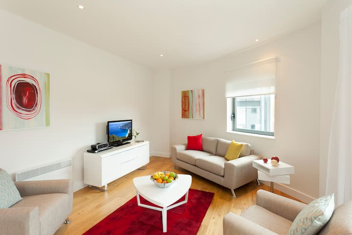 SACO Bristol Broad Quay - Two Bedroom Apartment