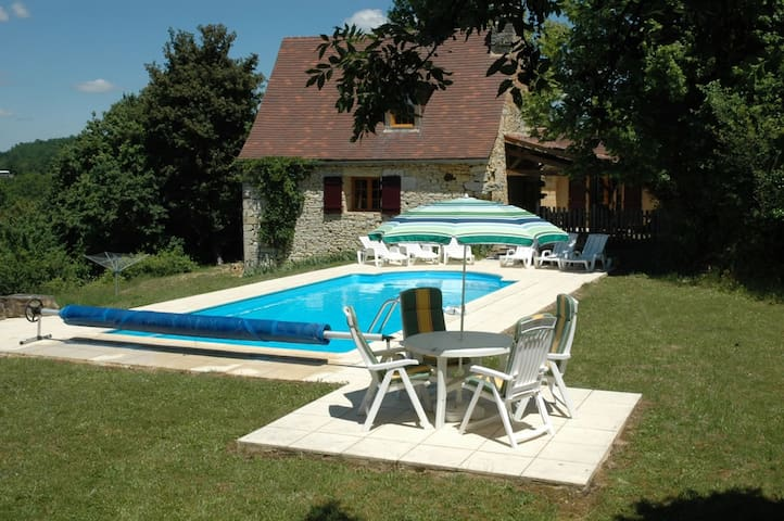 Detached stone house, private pool