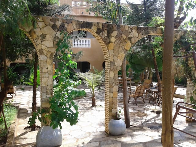 La Mimosa Auberge Restaurant - Toubab Dialao
