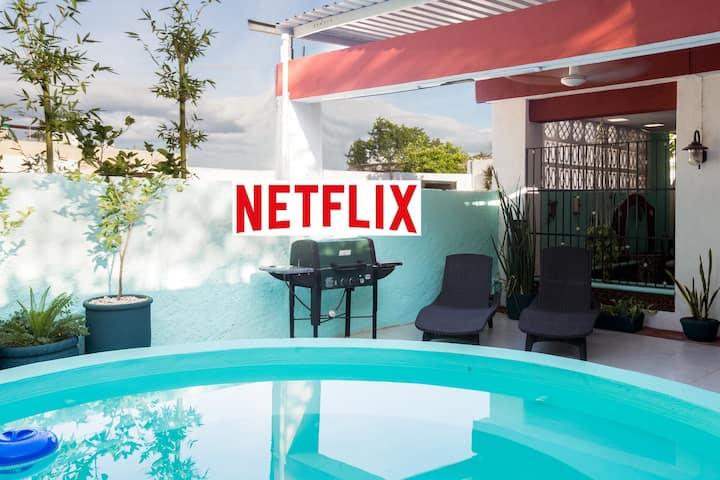 1. Studio w/shared plunge pool, WiFi+, Netflix!