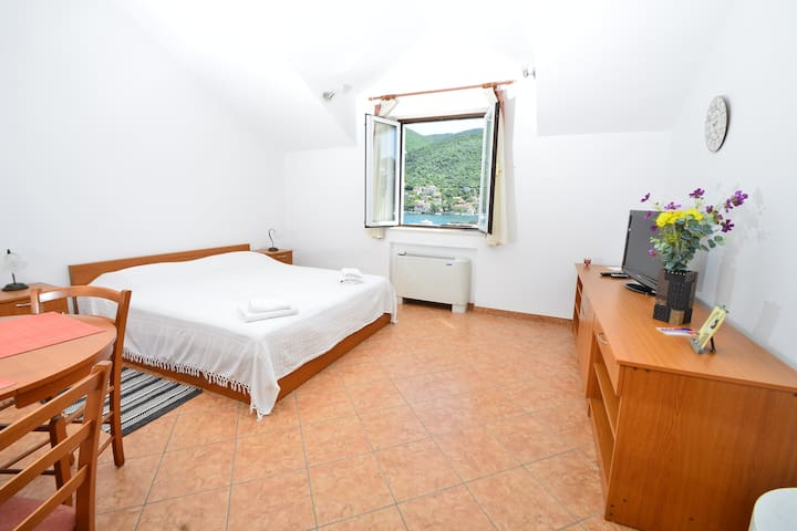 Apartments Mondo - Spacious Studio Apartment - Mokošica - Appartamento