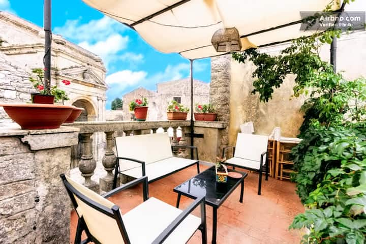 Erice-Trapani charming home for large groups