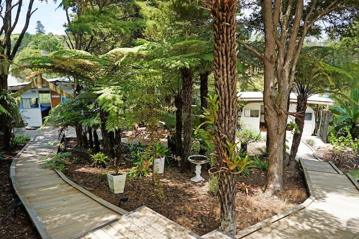 Caravan B @ Walk-Knot Accommodation on Waiheke