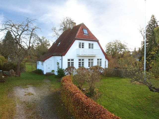 Cozy house with large garden near Copenhagen - Holte - Hus