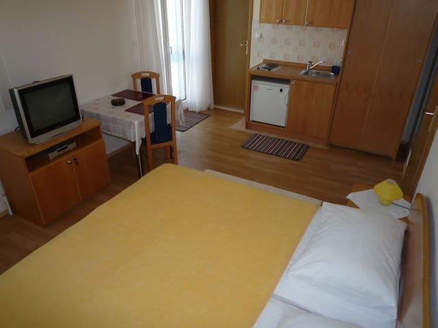 Studio Apartment - Balcony - Klima - WiFi