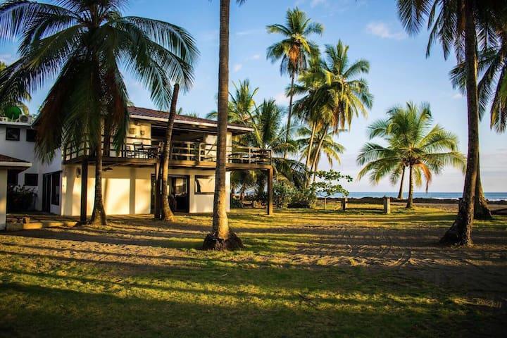 Casa de Playa Paraíso Tropical