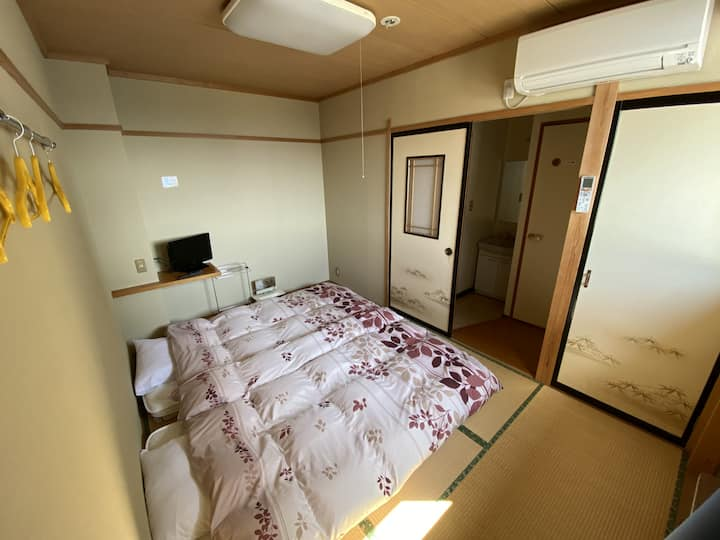 Nozawa Dream Central - 10sqm Japanese style room with private toilet and shared bathrooms