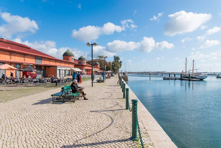 Charming town house just 500m from the marina and its well known typical market