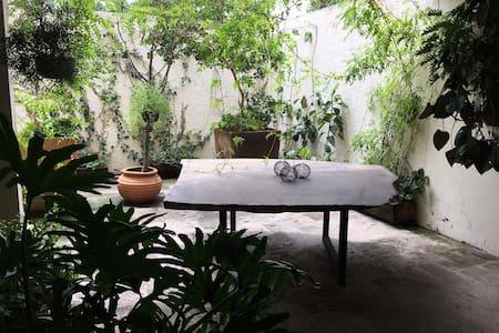 *Cuarto privado con terraza en Depto Nelson* - Appartement