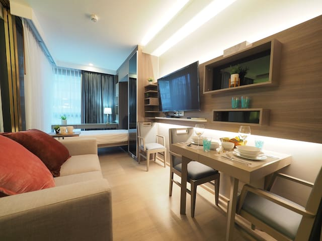 U2: near bts/BTS Thonglor/free WiFi/Club/big room