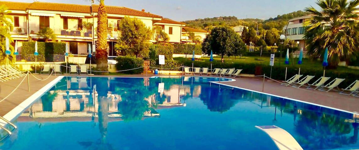 L'altra Sicilia…da Amare - Acquedolci - Vila