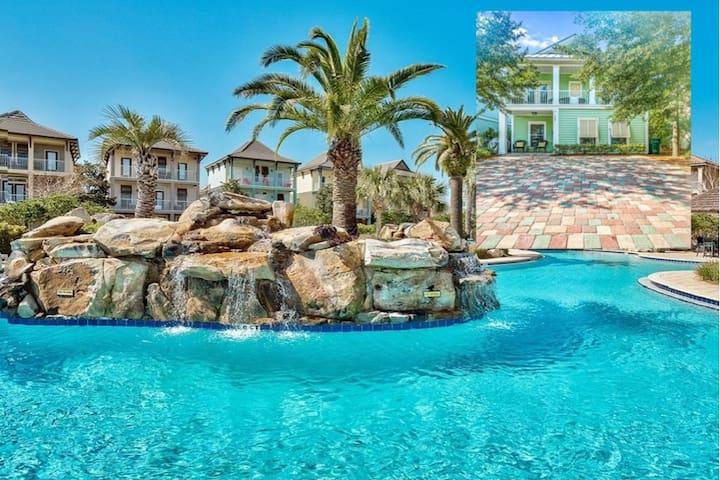 We are open! Take a break in paradise! Beach/ pool
