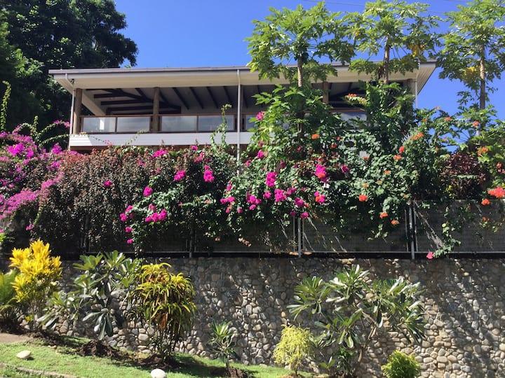 4 bedroom beach house -Coral Coast