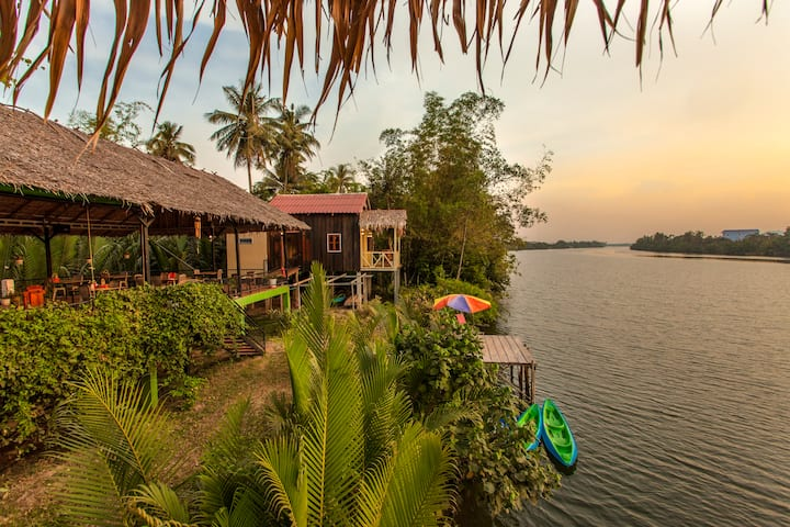 Green Mango Bungalows